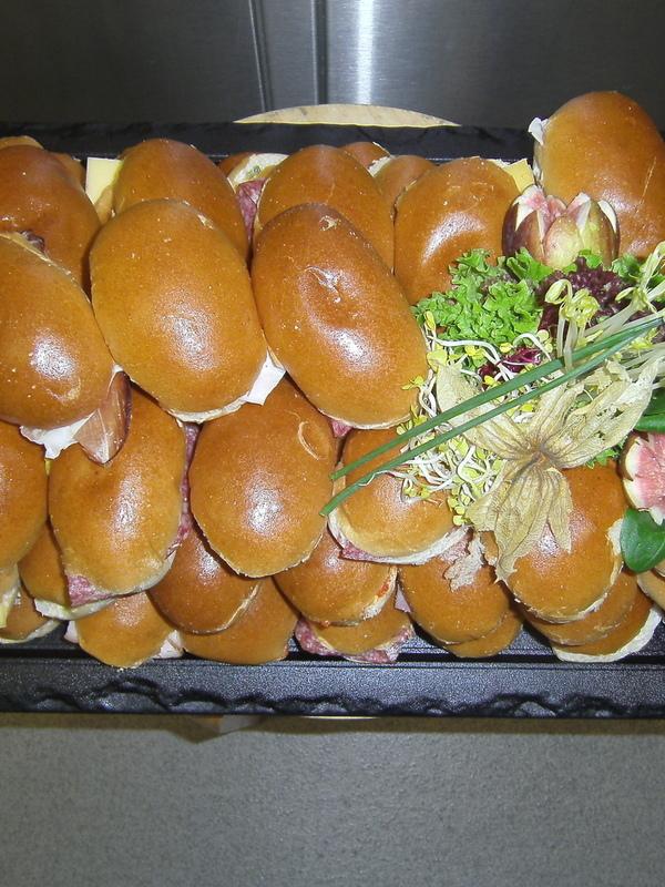 BELEGDE SANDWICHES € 1.10 ST